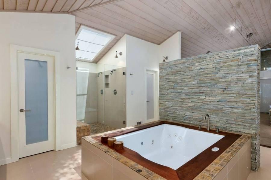 Contempo Jacuzzi Shower Combination For Bathroom Design Ideas : Astounding Futuristic Bathroom Decorating Design Ideas With