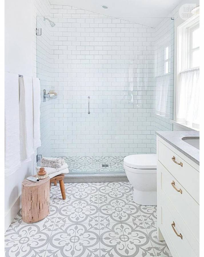 Best 20 Small Bathrooms Ideas On Pinterest Small Master Amazing Small Bathroom Spaces