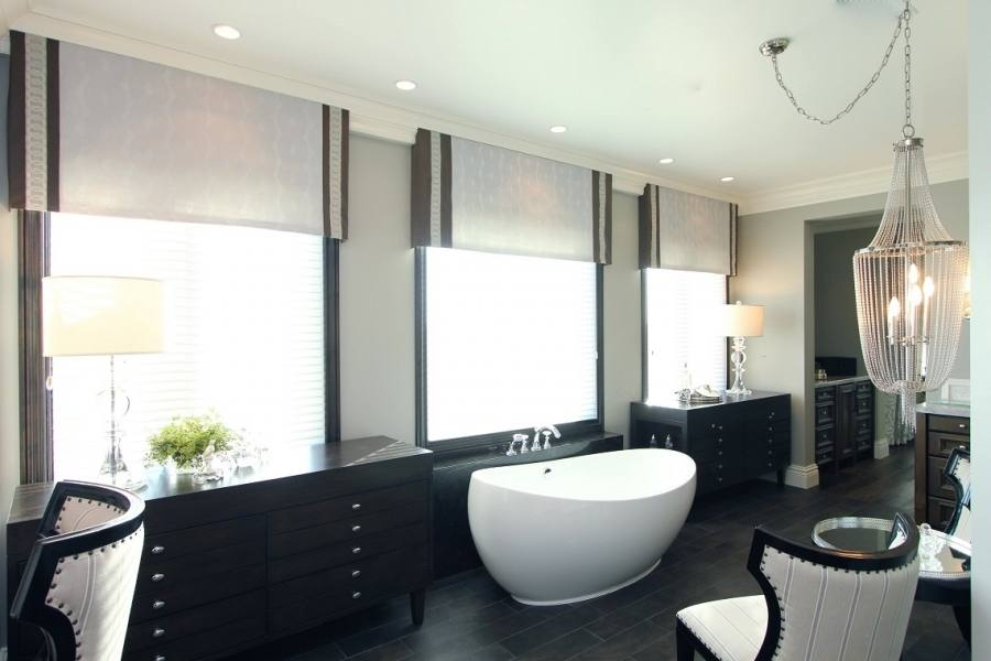 Here we are going to look at a few tips to create your own hamptons style bathroom
