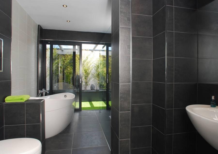 Dramatic dark grey bathroom | Bathroom | Makeover | PHOTO GALLERY | Ideal Home | Housetohome
