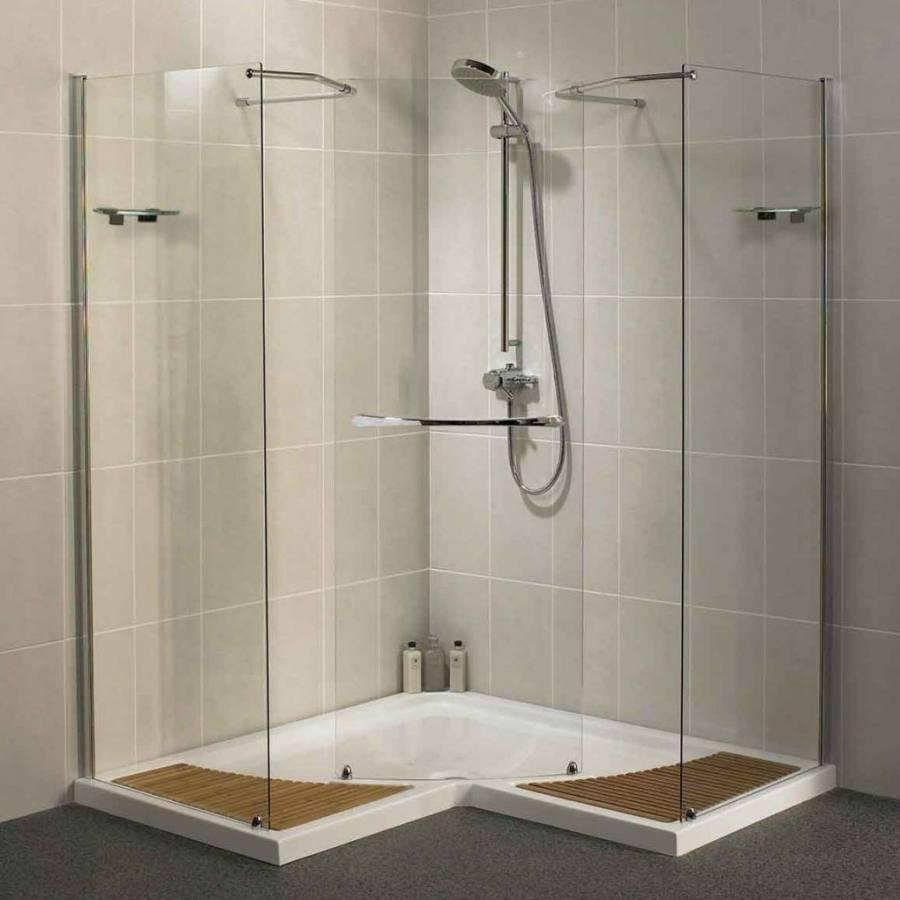 Sparkling Mediterranean style bathroom with an inviting ambiance - #bathroomdesign #BathroomDecor