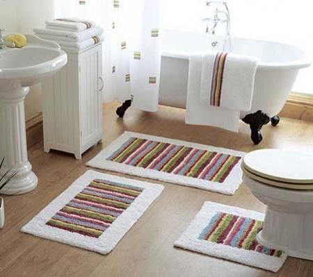 small bath rug