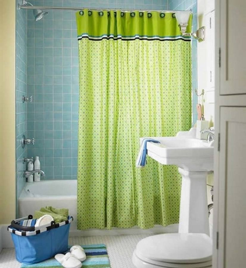 Gorgeous Bathroom Decorating Ideas A Shower Curtain Hung At The Ceiling In