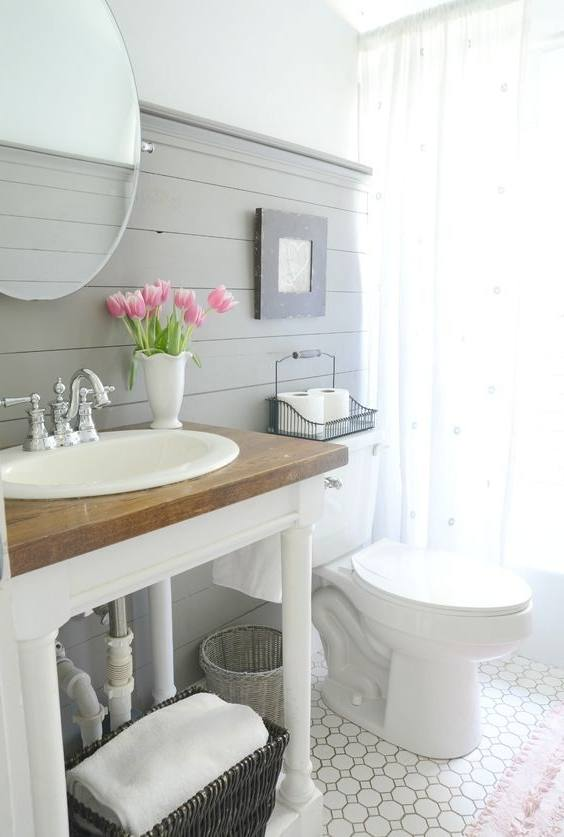 The design layout for a small bathroom is the