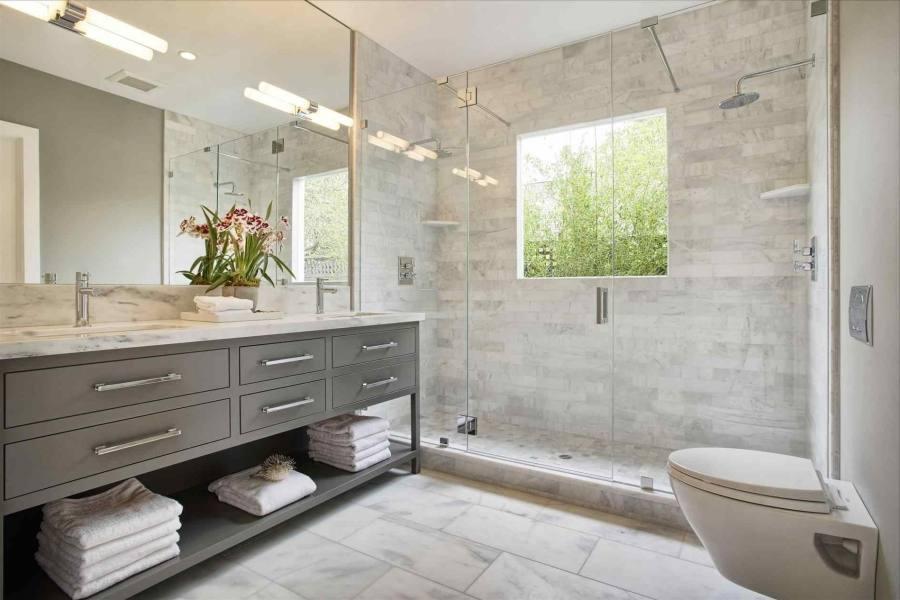 Modern farmhouse small bathroom design