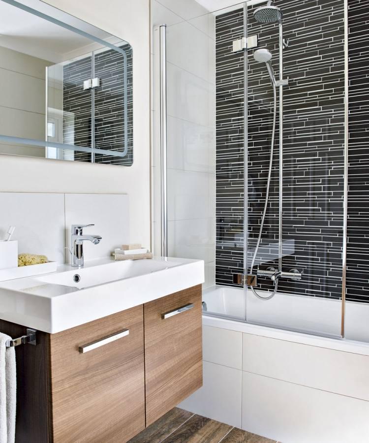 Radisson Blu Edwardian Kenilworth Hotel: Ensuite bathroom, small but well equpped