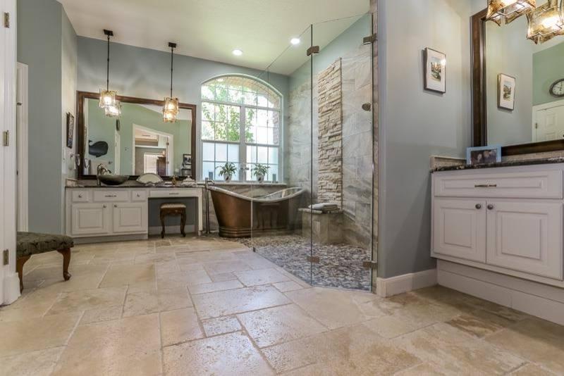 Bathroom Designs: Classic Beautiful Small Bathrooms Stone Walls