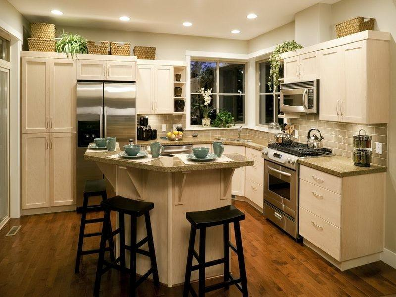 small kitchens with islands