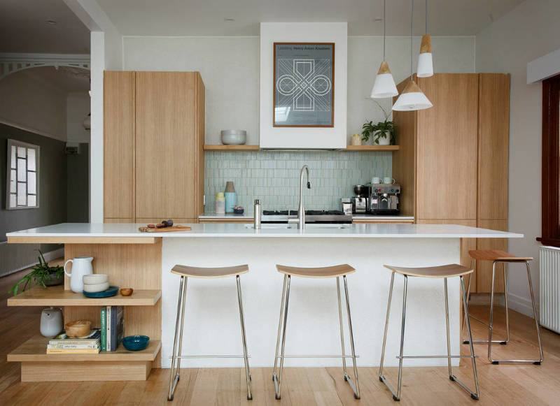 You can't go wrong with white in the kitchen, so sit back and let these fabulous ideas and pictures inspire you to take your kitchen from drab to dazzling