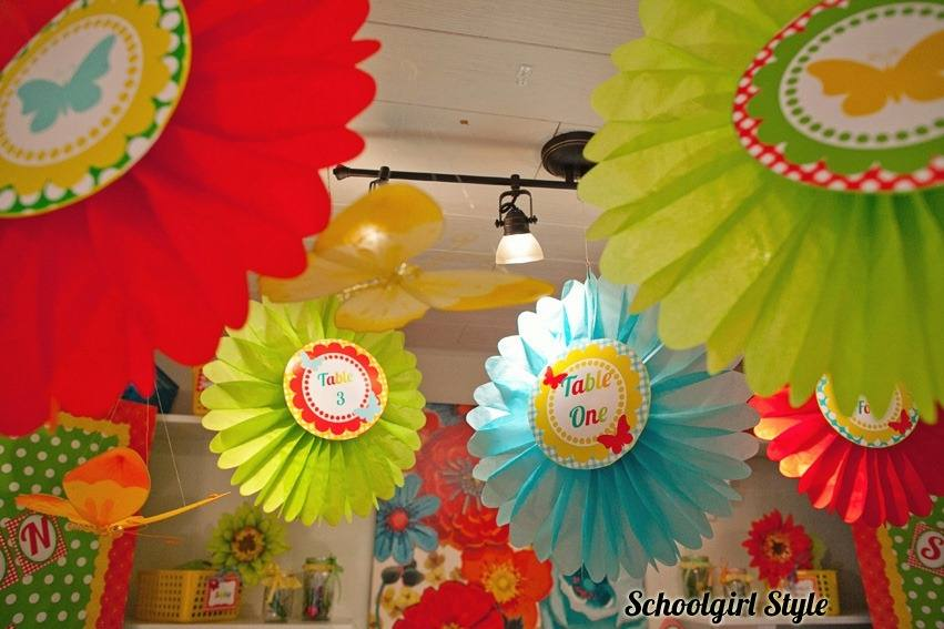 How awesome is this wall display for spring? Or you could use it for your garden theme classroom