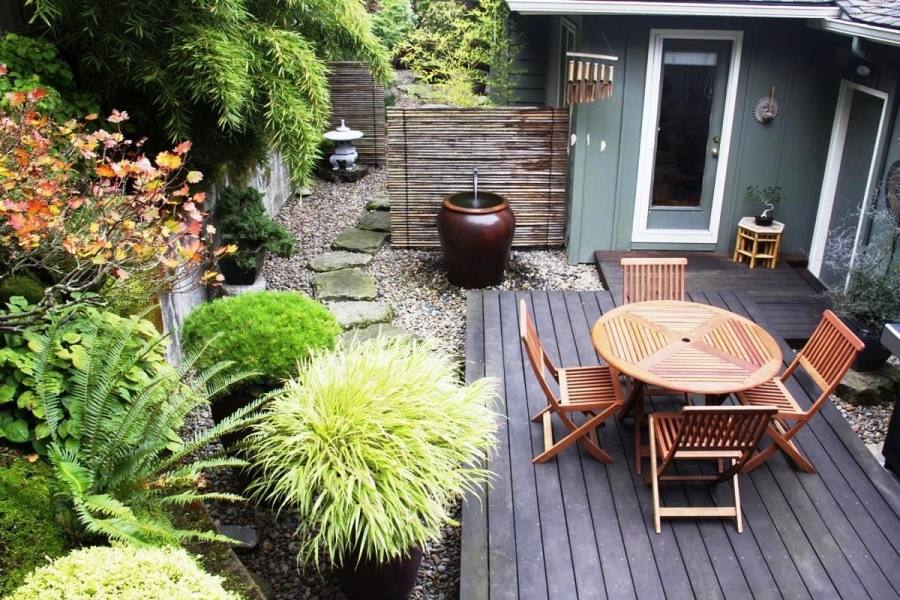 Late Summer Garden Decoration