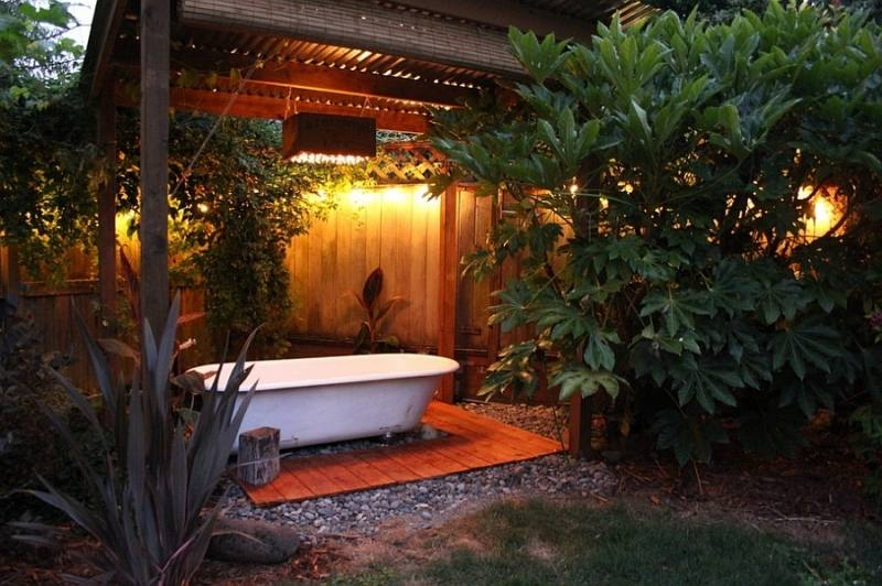Glamping Bathroom Bell Tent Bathroom Under the stars, outside, bathing, outdoor shower,