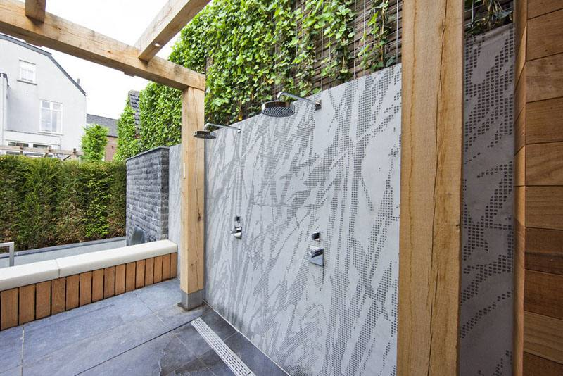 The northern courtyard provides a secondary entry, as well as an outdoor shower