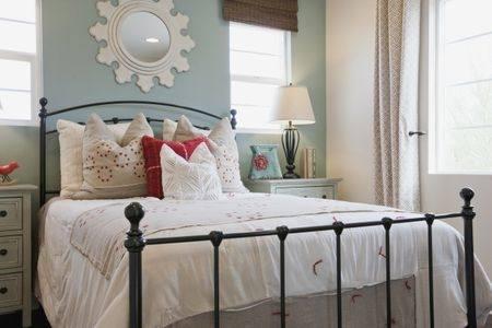chic bedroom decor shabby chic bedroom decor chic bedroom bedroom design  ideas by chic bedrooms ideas