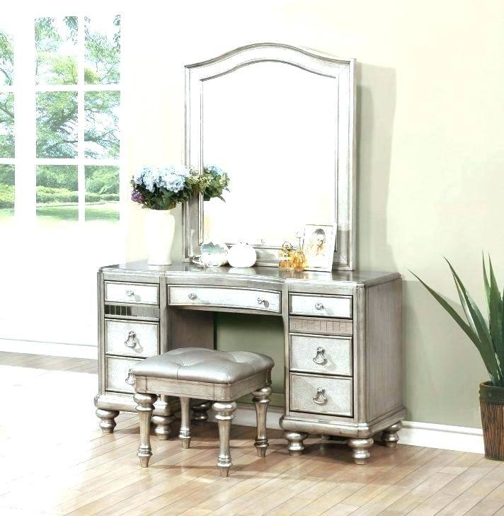 Makeup Desk with Lighted Mirror Lovely Bedroom Vanity Sets with Lights  Hartascosas