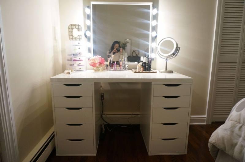 small makeup vanity with lights vanity set with lighted mirror makeup vanity  set with lighted mirror