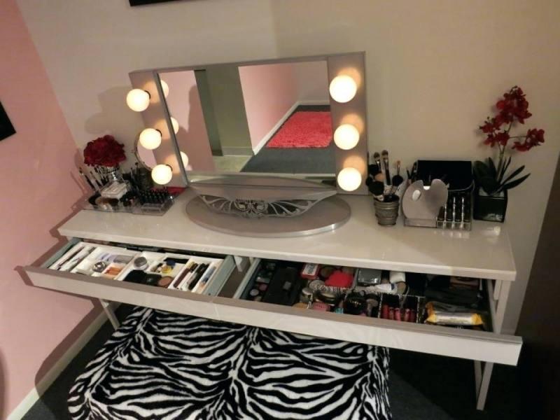 vanity set with lighted mirror bedroom vanity with lighted mirror bedroom  vanity sets lighted mirror makeup