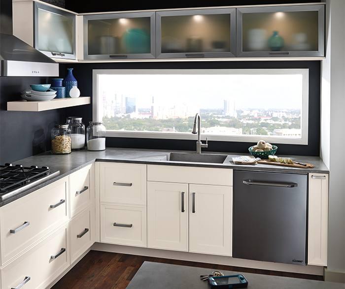 DavisCSeaWellsMEgrWortheLElkK; WestbuHRrwMDaKret; CantrelCTdDaKret;  BryantMMorBrsK; Transitional kitchen with beige cabinets