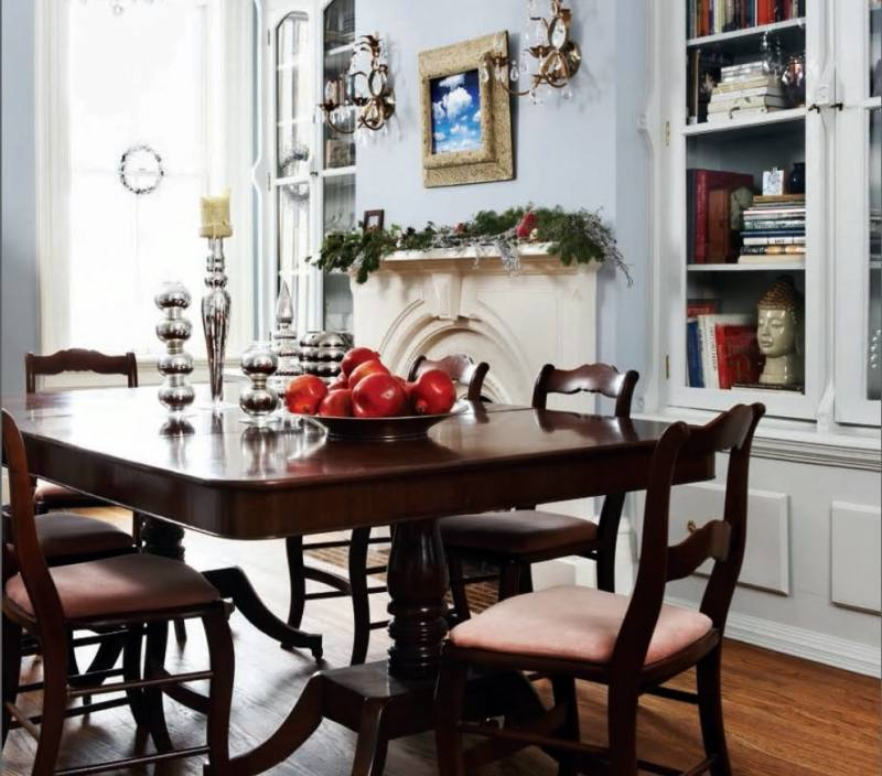 Simple And Neat Refinish Dining Table For Dining Room Design Ideas : Casual Dining Room Design