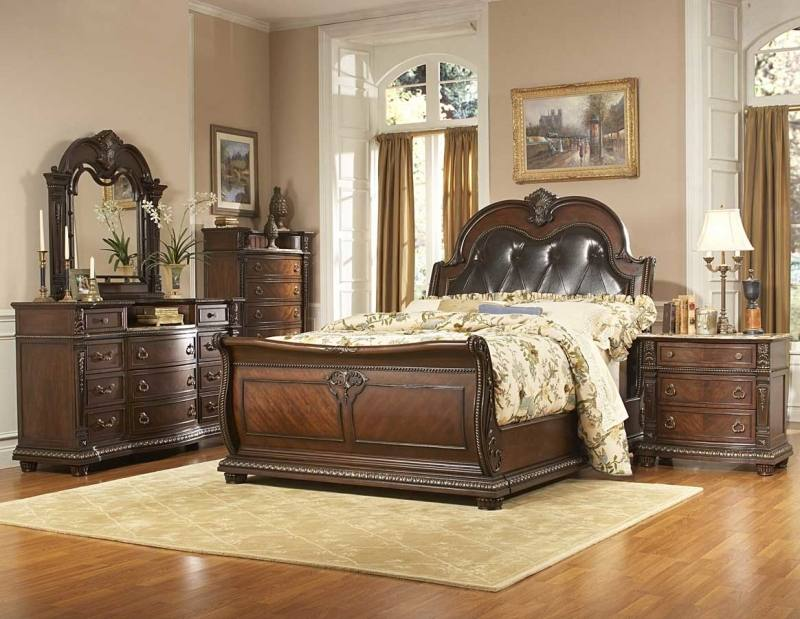 Raymore Flanagan King size bedroom set
