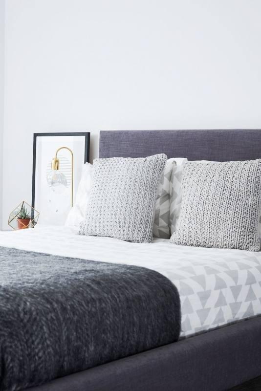 white bed set bedroom