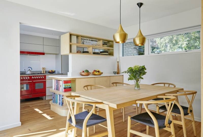 The owners of this vintage dining room found inspiration on Japanese minimalist and textiles